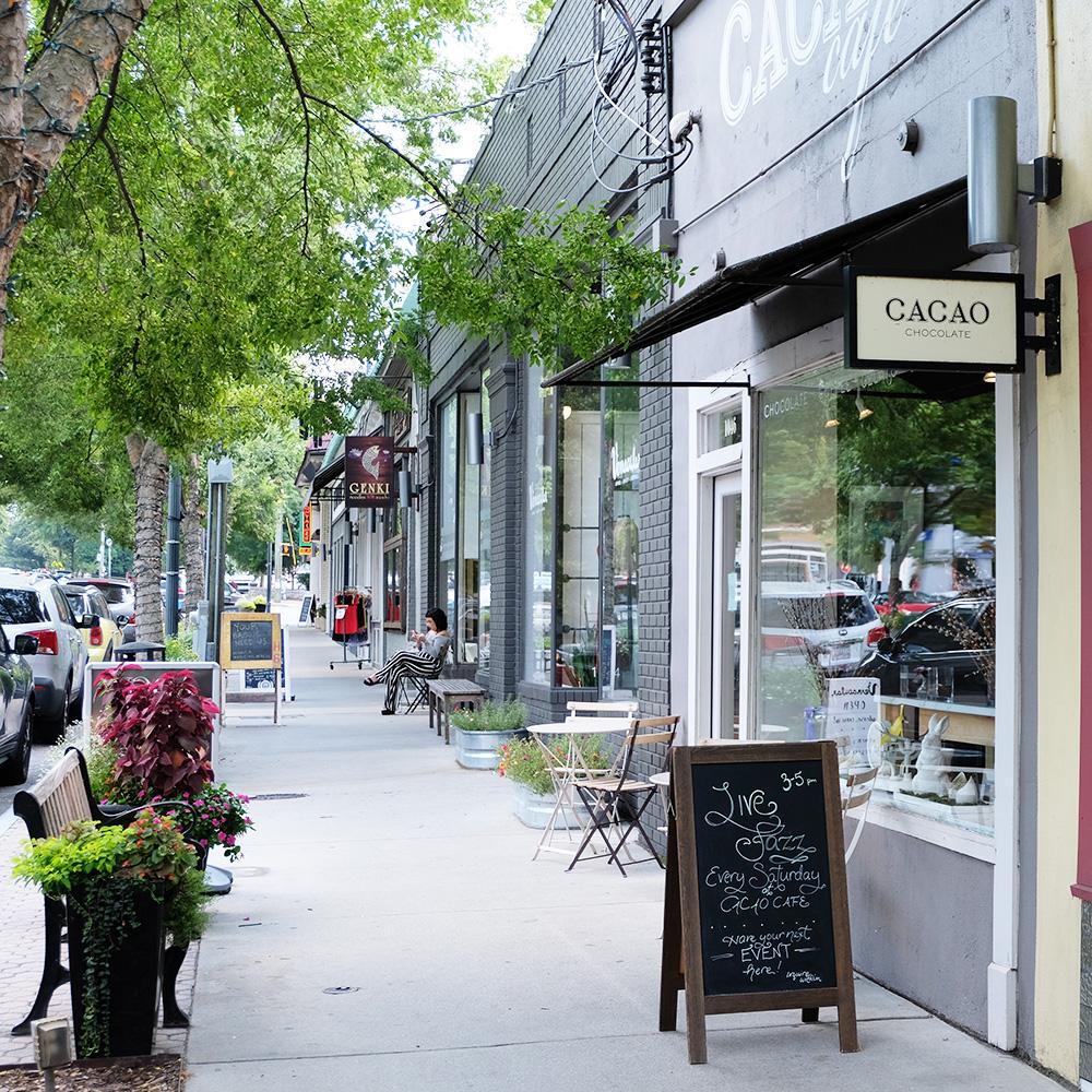 shops along highland avenue in virginia highland